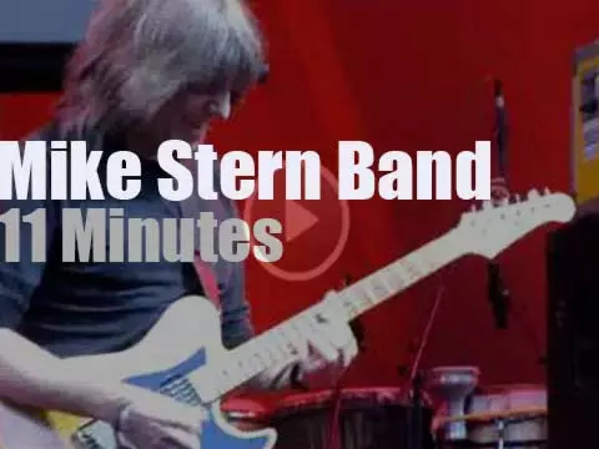 The Mike Stern Band  plays in Brooklyn (2010)