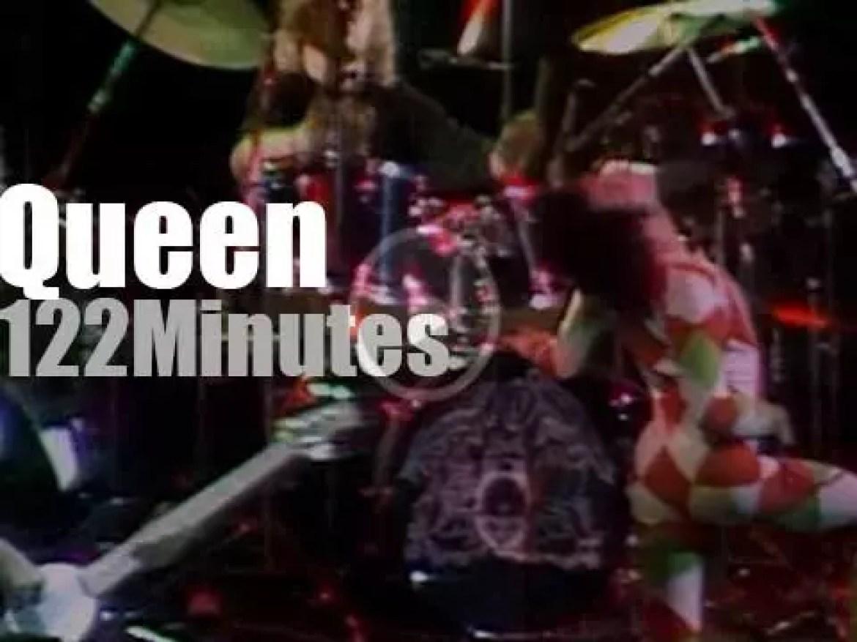 Queen rocks Earls Court, London (1977)