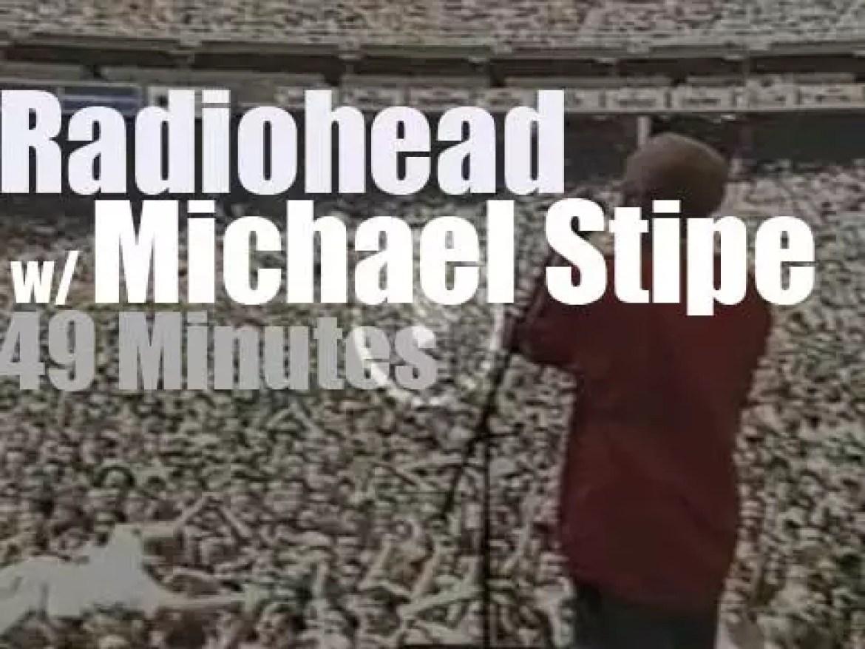 Radiohead plus Michael Stipe are at the Tibetam Freedom Concert in DC (1998)