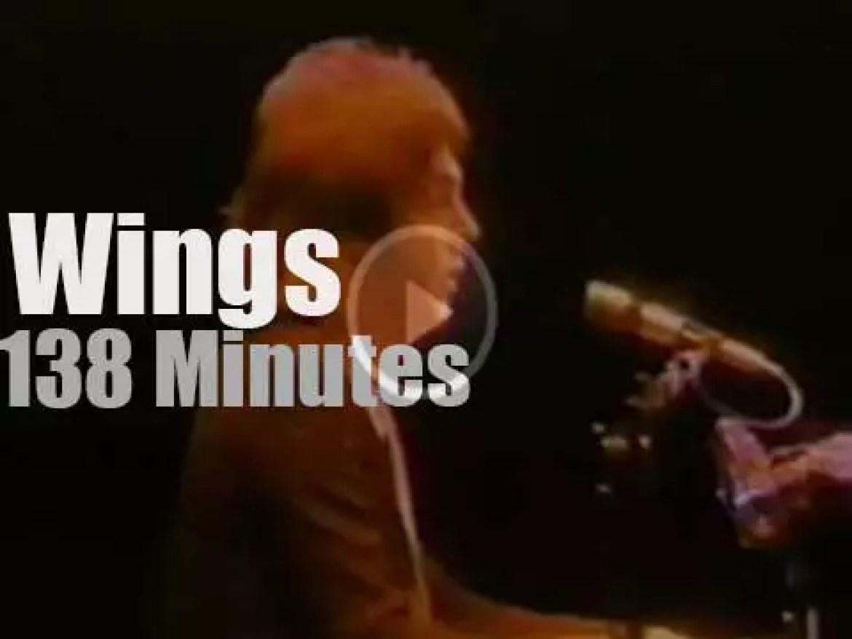 """Wings over America"" land in LA (1976)"