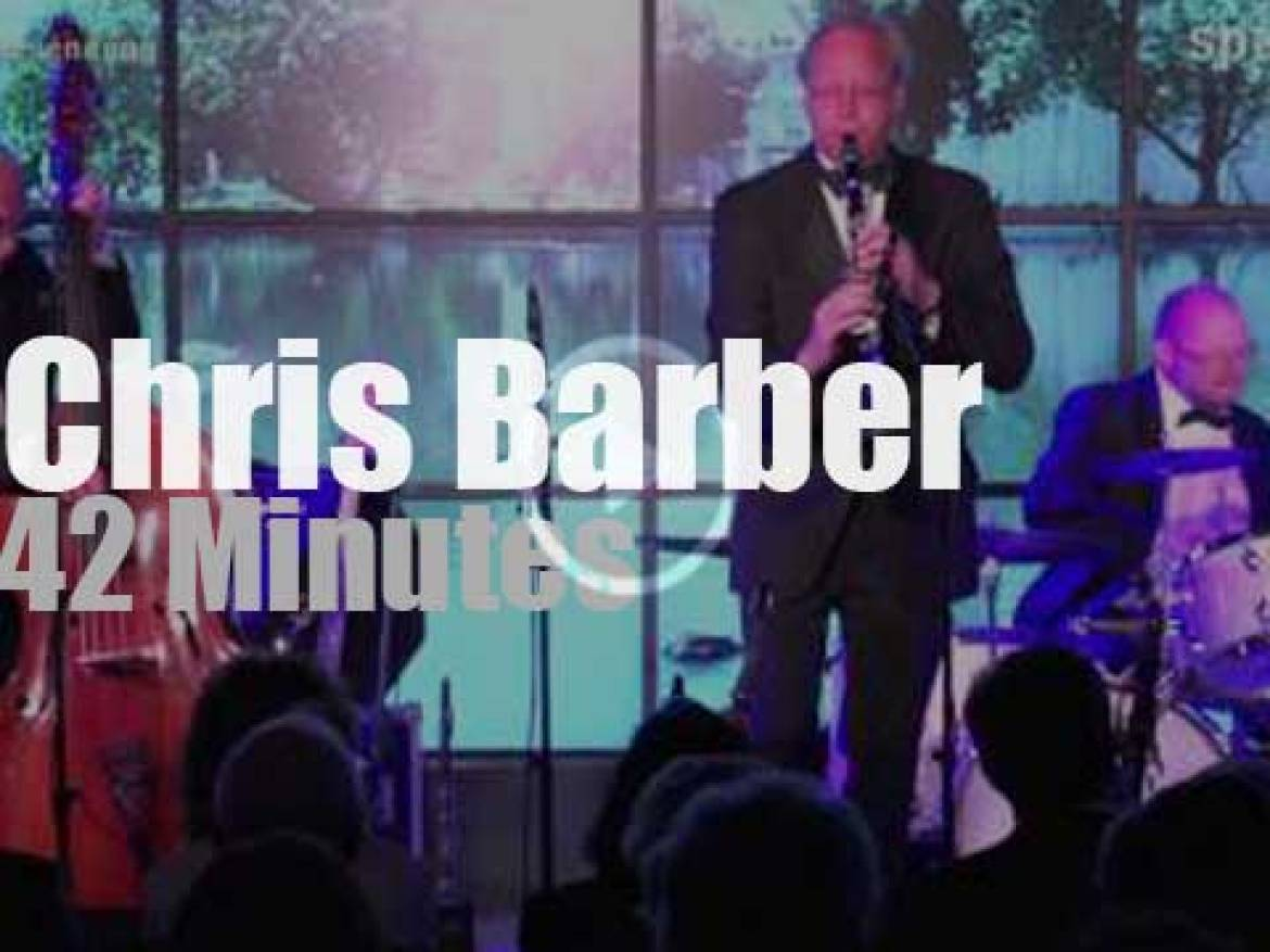 Chris Barber gets a trophy in Germany (2014)