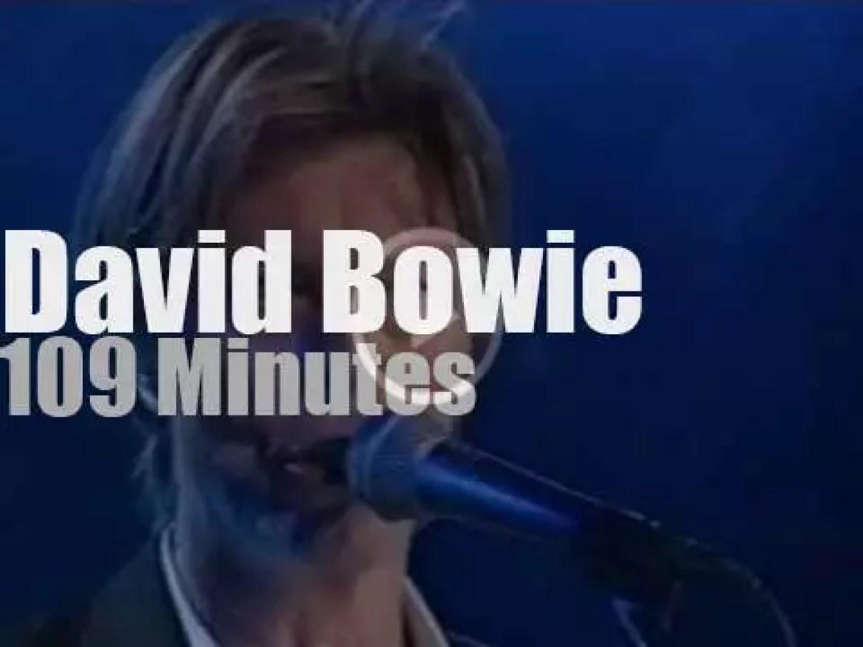 David Bowie rocks Montreux (2002)