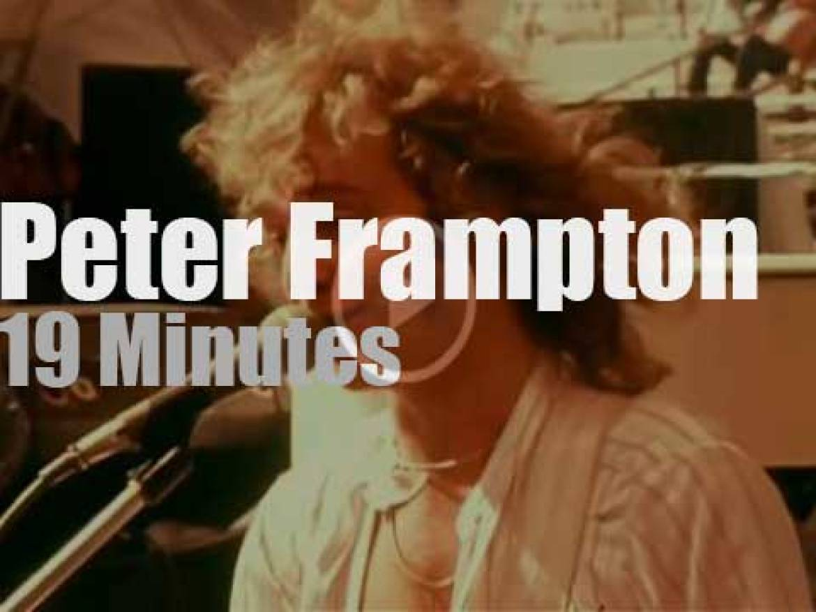 """Peter Frampton has a """"Day On The Green"""" (1977)"""