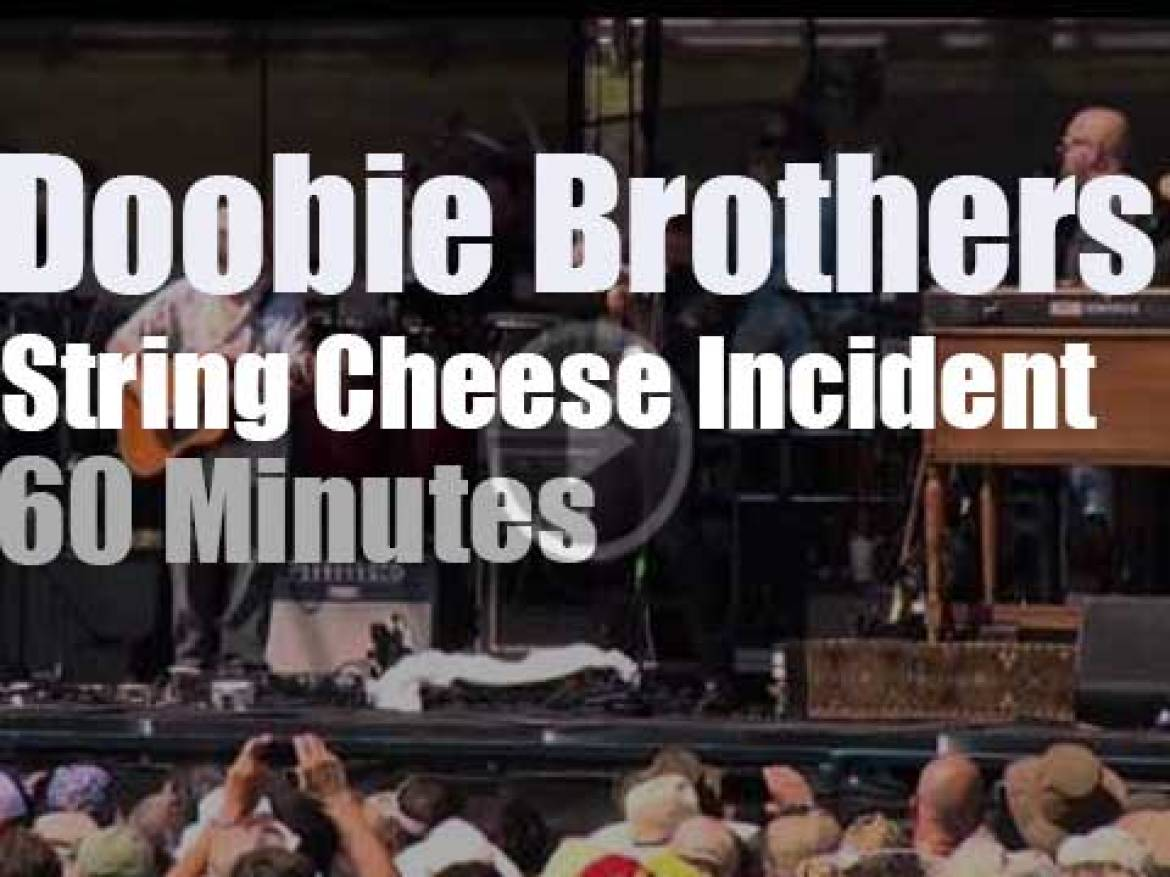 The Doobie Brothers meet  String Cheese Incident (2015)