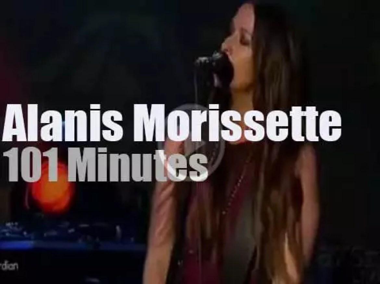 Alanis Morissette enchants Philly (2012)