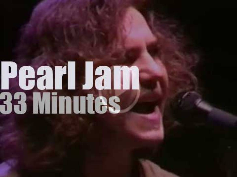Pearl Jam attend 'Bridge School Benefit' (1994)