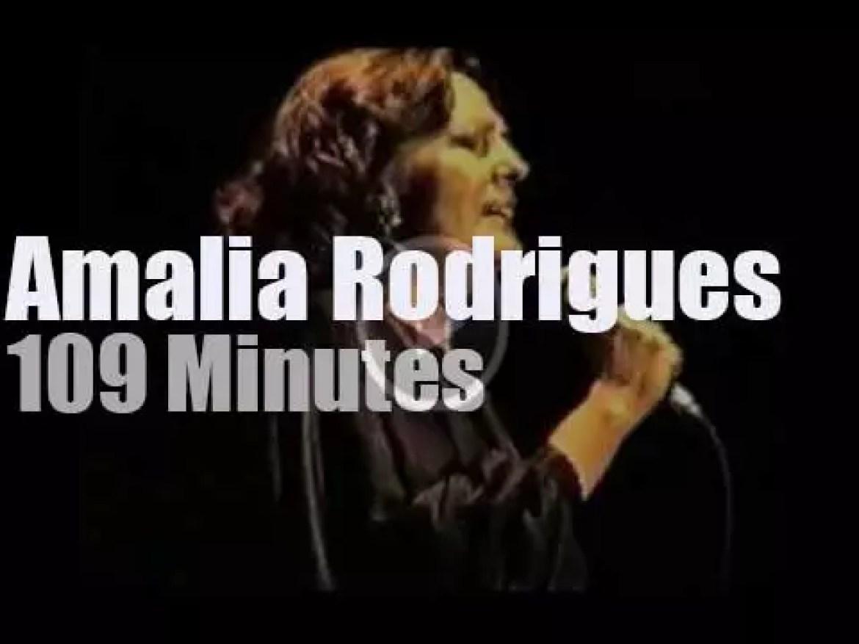 Amalia Rodrigues sings in Holland (1986)