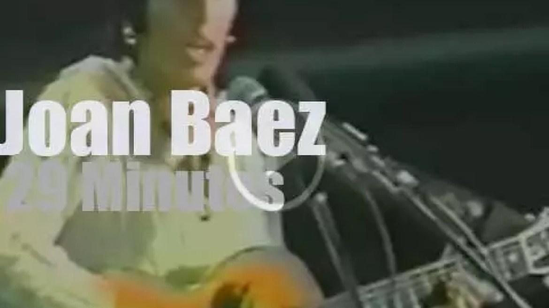 Joan Baez sings In Barcelona (1977)