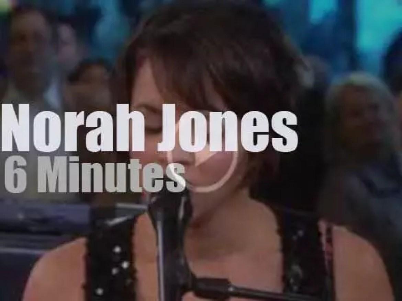 On TV today, Norah Jones at 'Good Morning America' (2009)