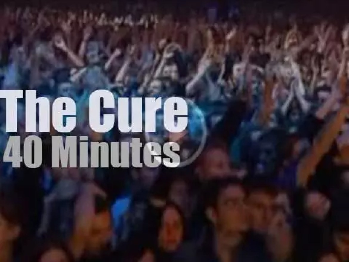 The Cure go to Lyon (2004)