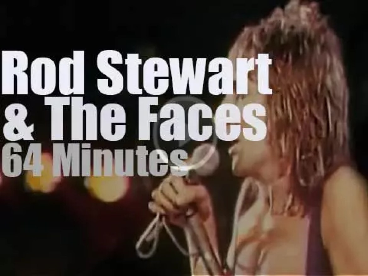 Rod Stewart sings one last time with The Faces (1974)