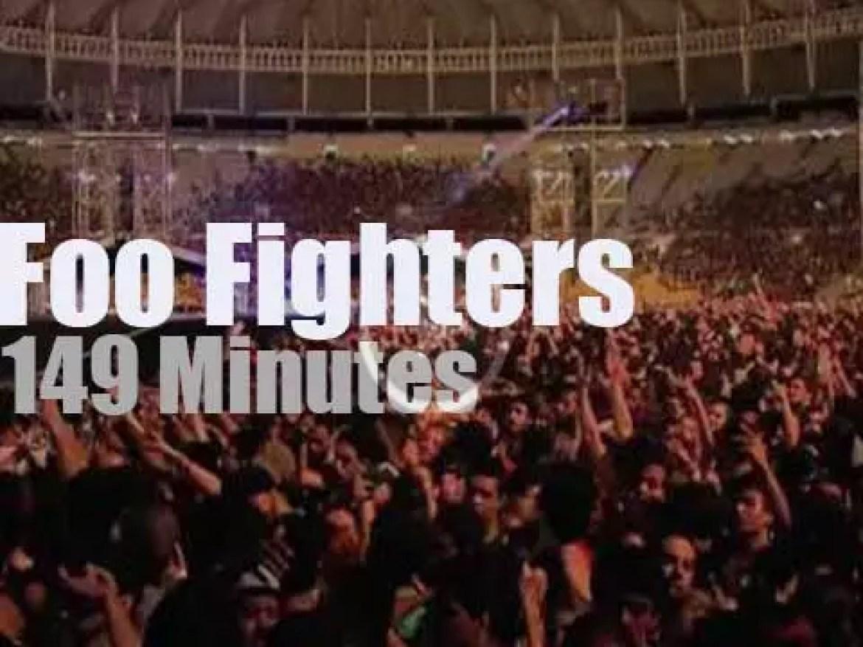Foo Fighters rock in Rio (2015)