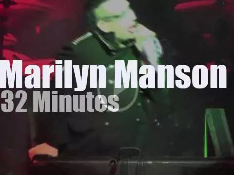 Marilyn Manson serenades Boston (2013)