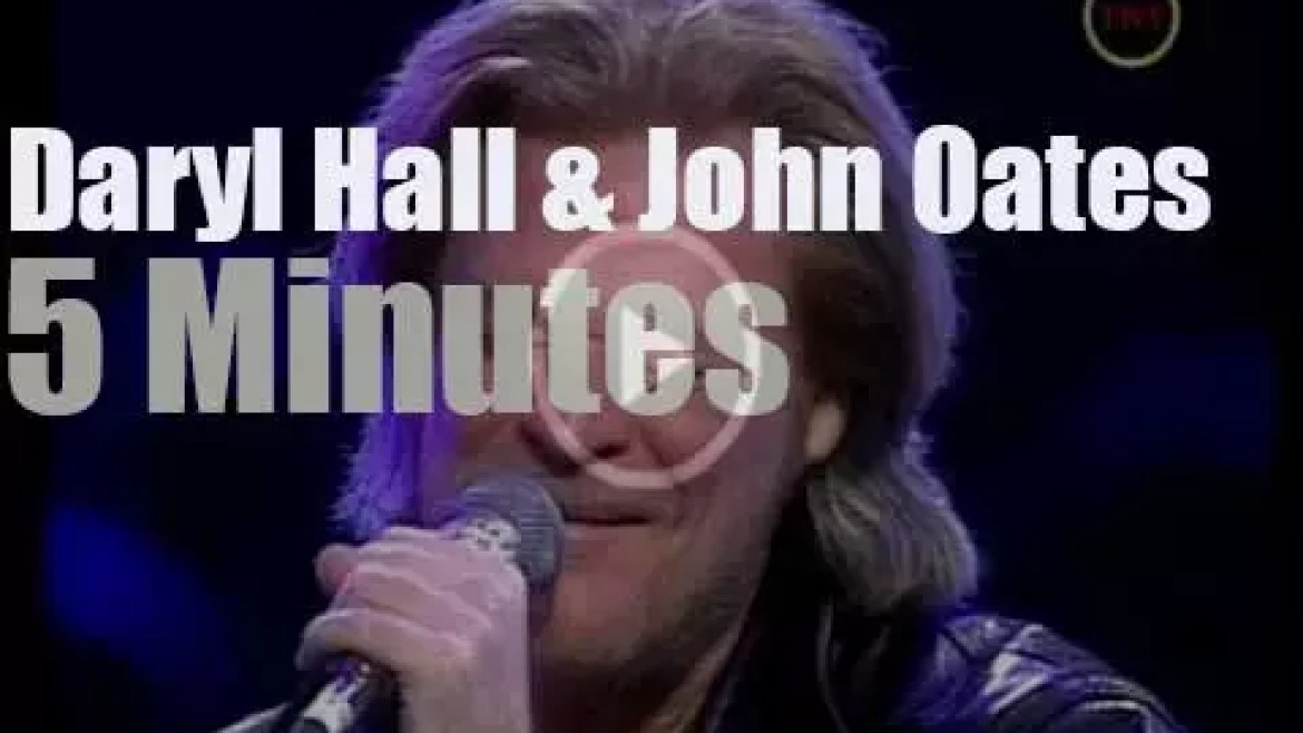 On TV today, Hall & Oates at 'NBA All-Star Saturday Night' (2002)