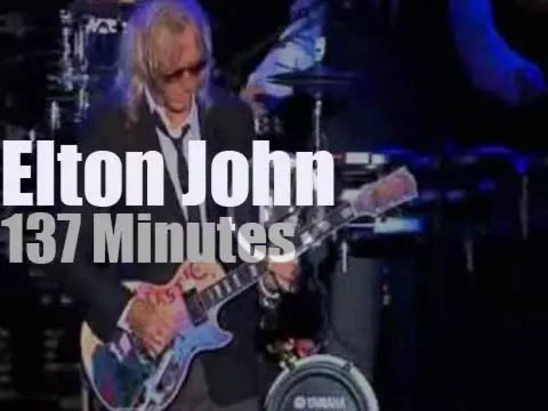 Elton John sings in São Paulo, Brazil (2013)