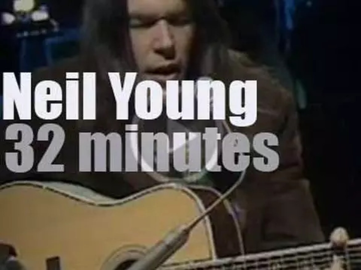 On TV today, Neil Young at the 'Concert Series' on BBC (1971)