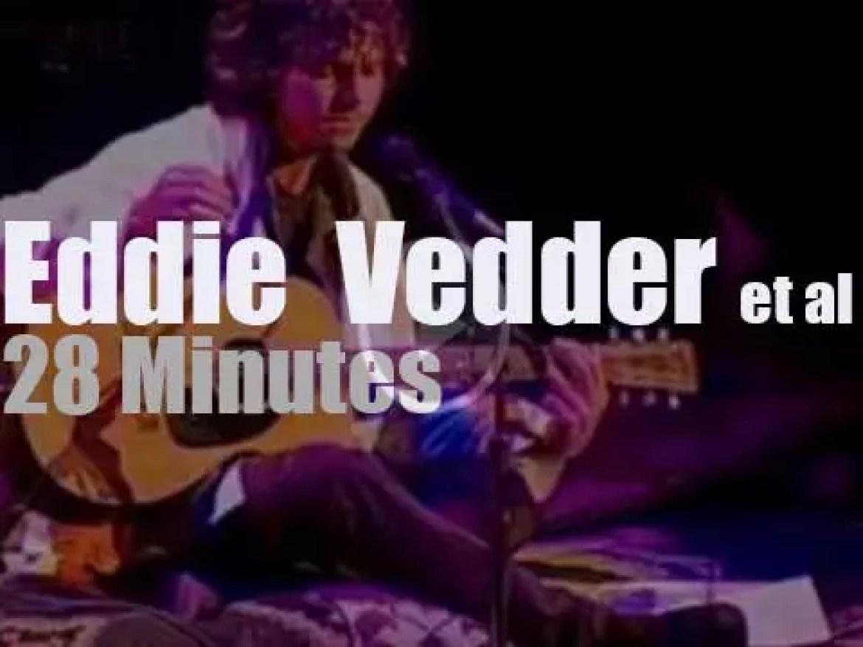 Eddie Vedder  teams up with Nusrat Fateh Ali Khan's nephew (1998)
