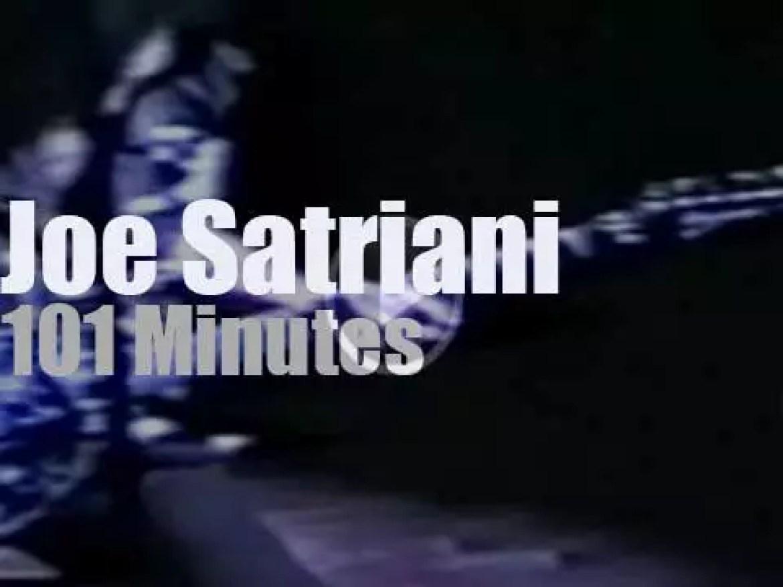 Joe Satriani Trio destroys Massey Hall (1990)