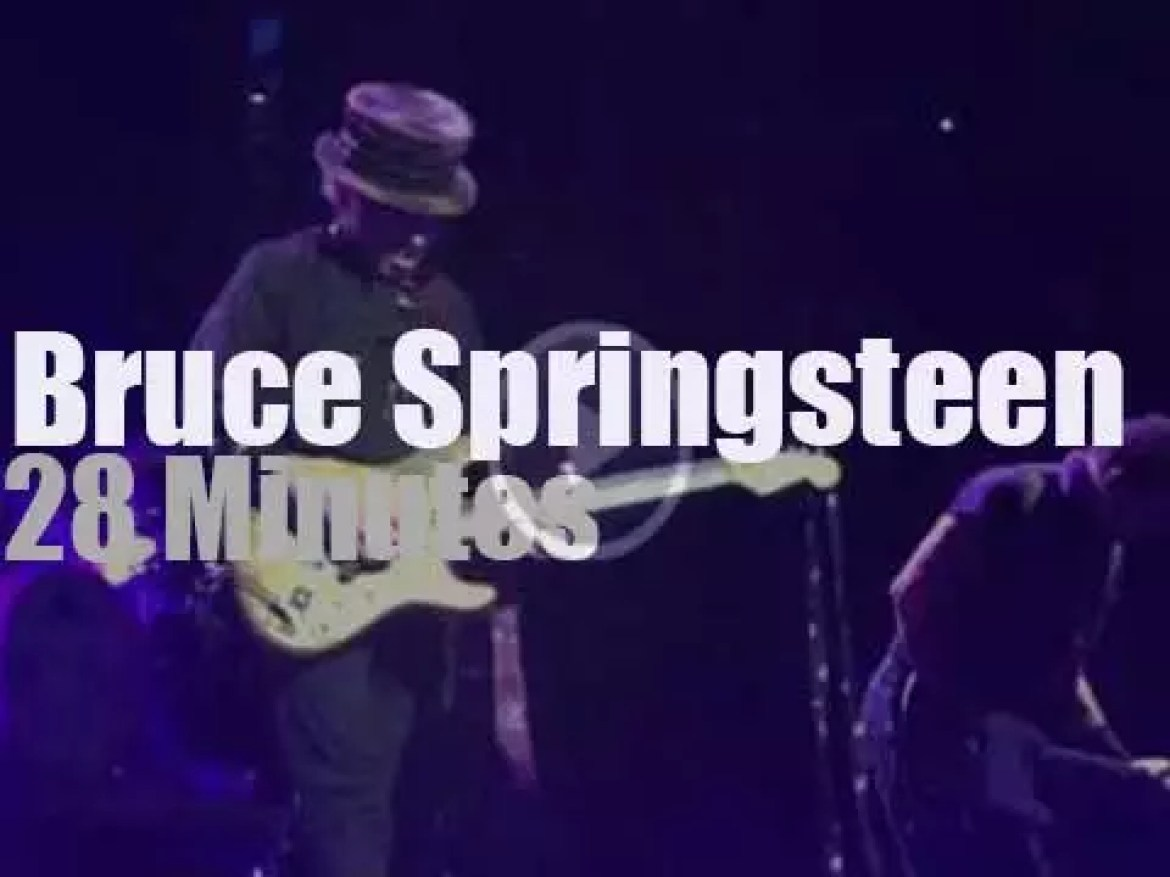 Bruce Springsteen pays tribute to Prince (2016)