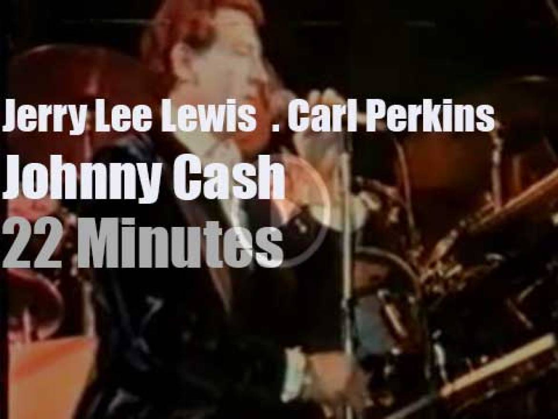 Johnny Cash, Jerry Lee Lewis & Carl Perkins improvise a concert  (1981)