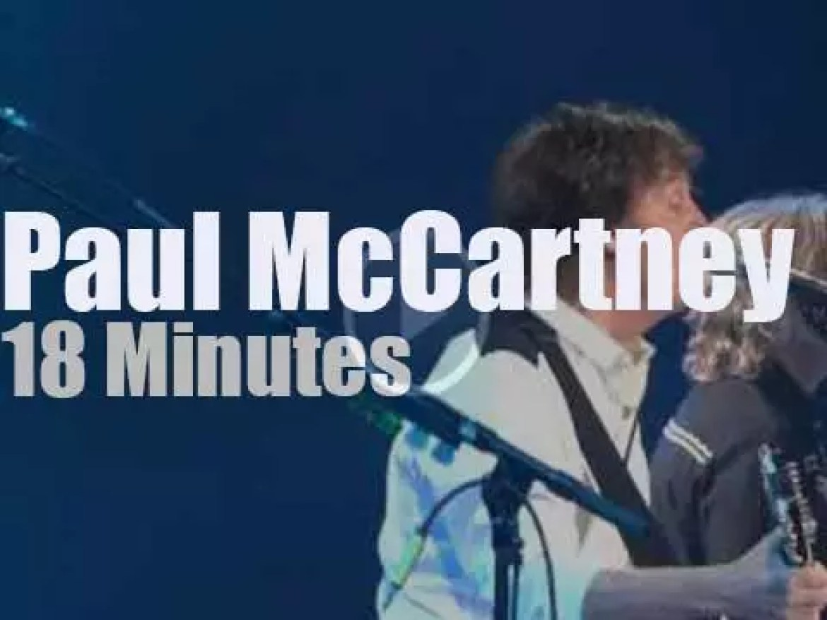 Paul McCartney delivers the 'classics' in Brooklyn (2013)