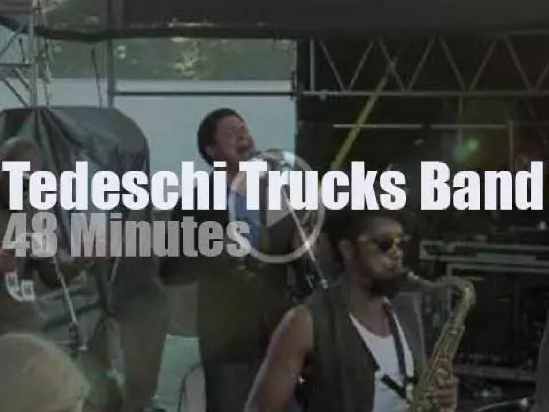 Tedeschi Trucks Band attend a festival in Connecticut (2013)