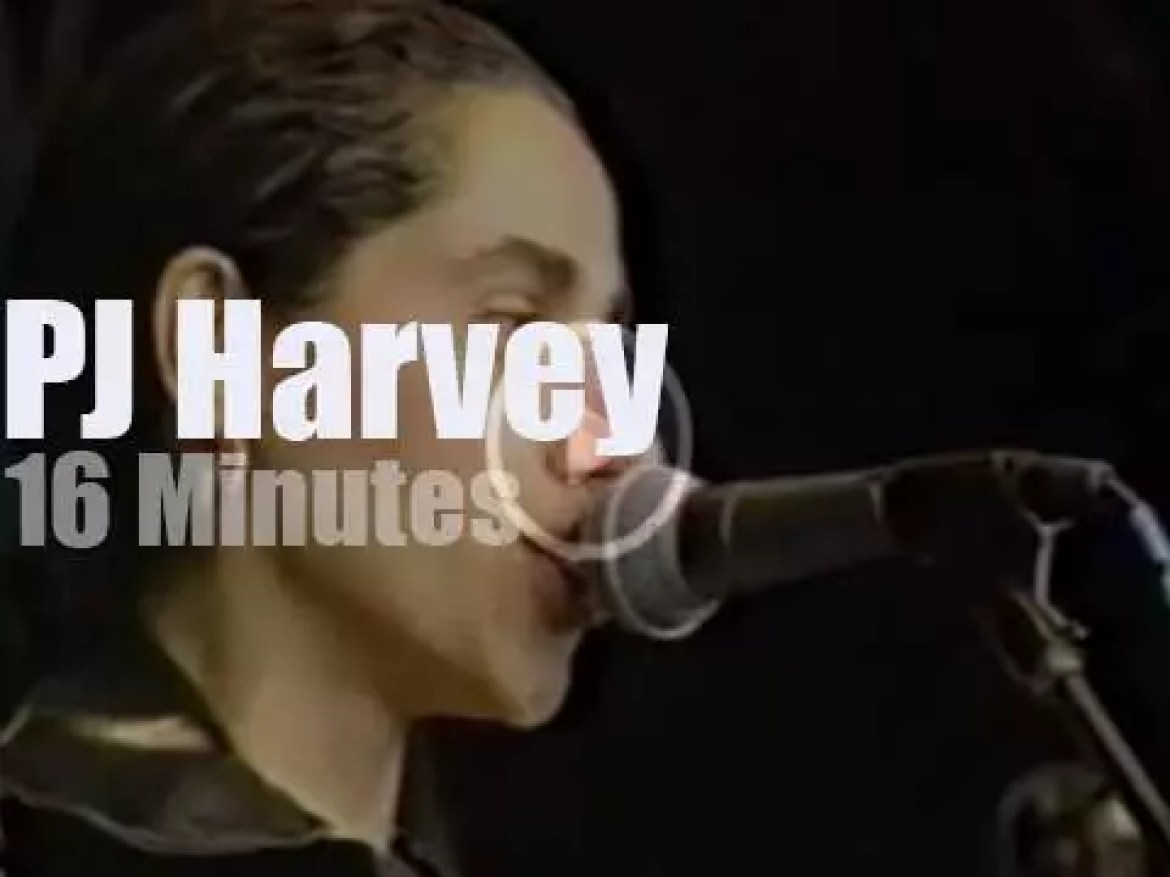 PJ Harvey  plays her first album at Reading (1992)