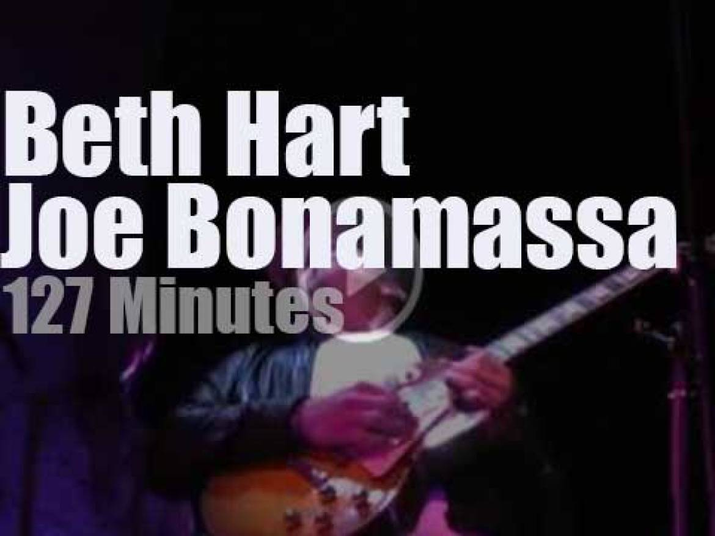 Joe Bonamassa sits in with Beth Hart and band in LA (2011)