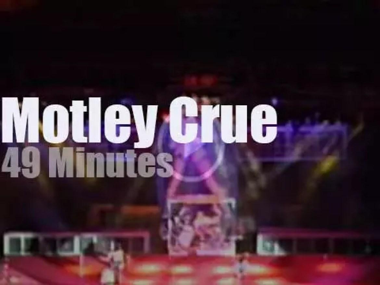 Motley Crue rock Oakland (1987)