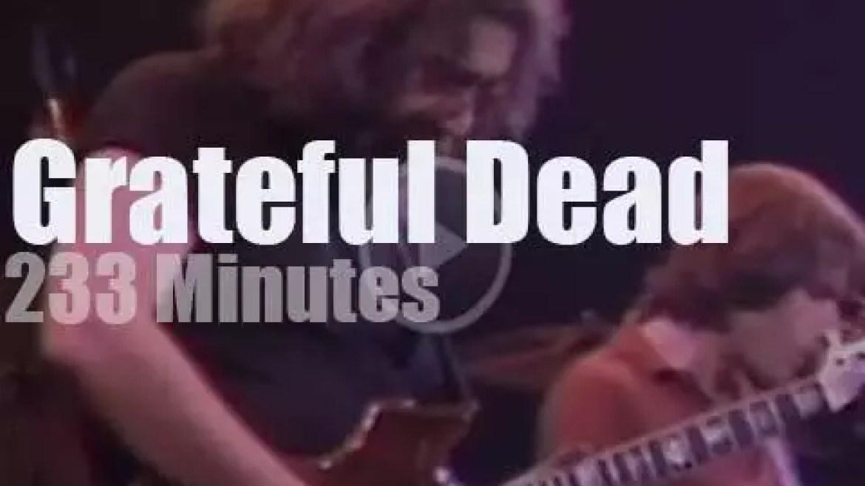Grateful Dead enchant Oakland (1980)