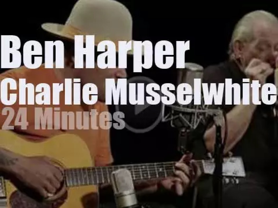 Ben Harper and Charlie Musselwhite perform at Paste Studios (2018)