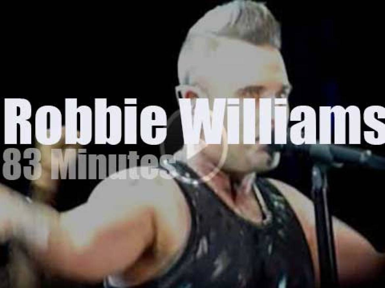 Robbie Williams DJ rocks in Australia (2018)