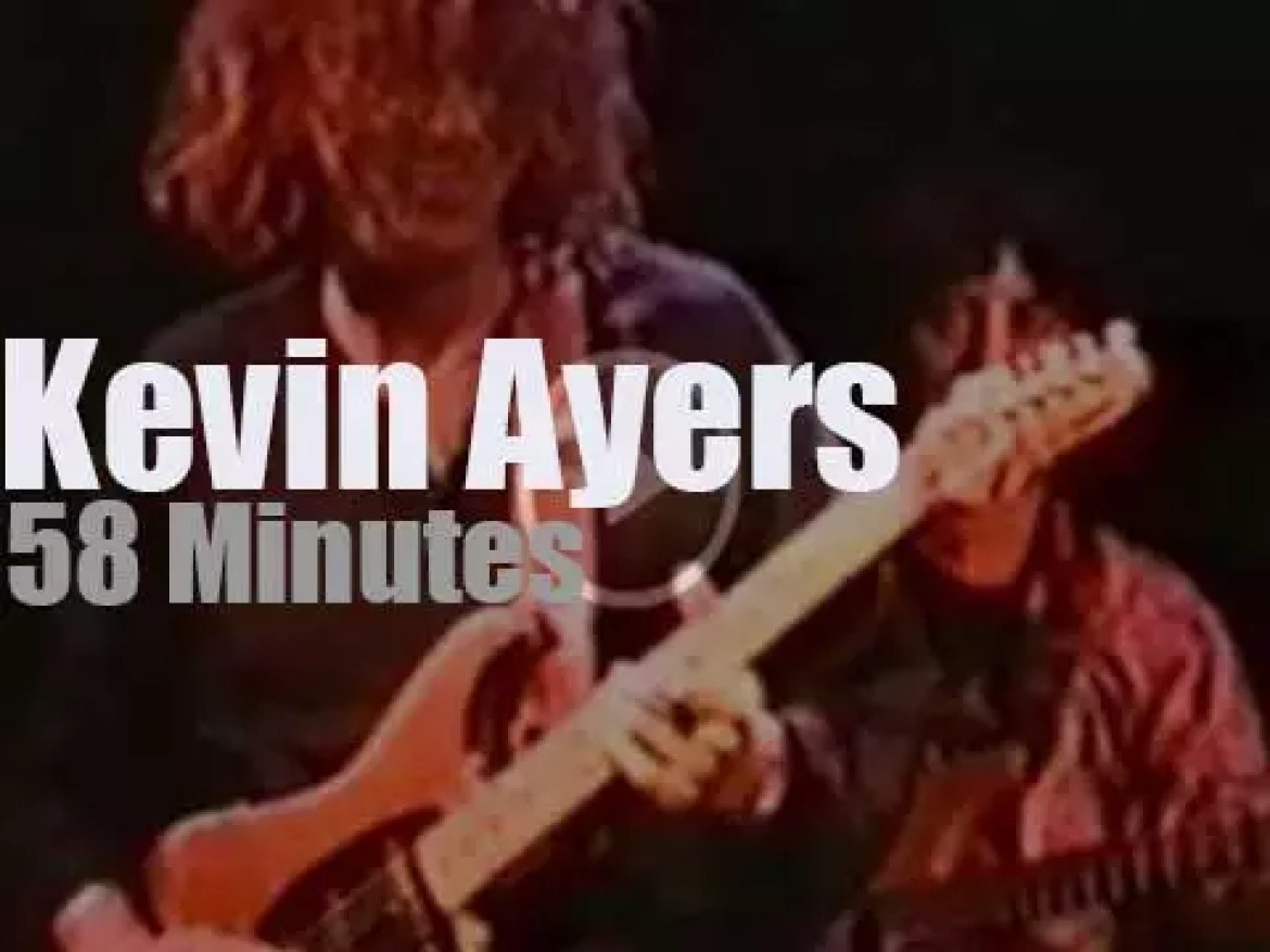 Kevin Ayers performs in London (1992)