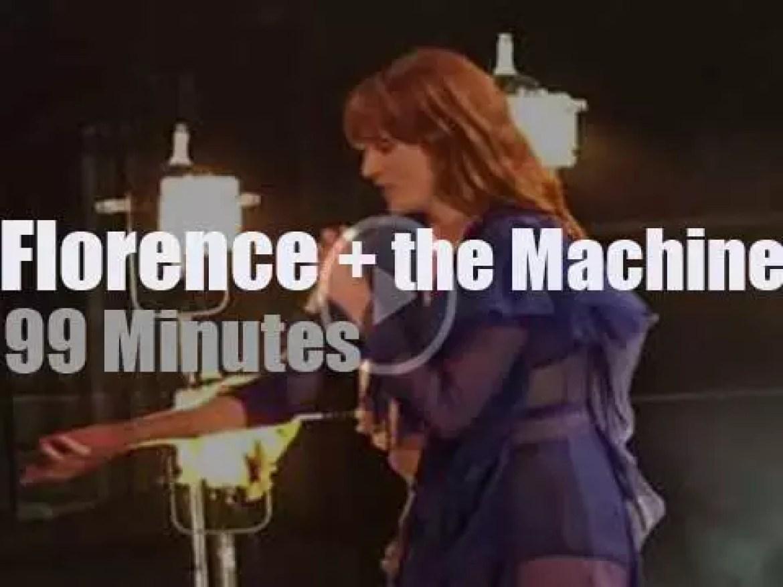 Florence + the Machine serenade Brooklyn (2016)