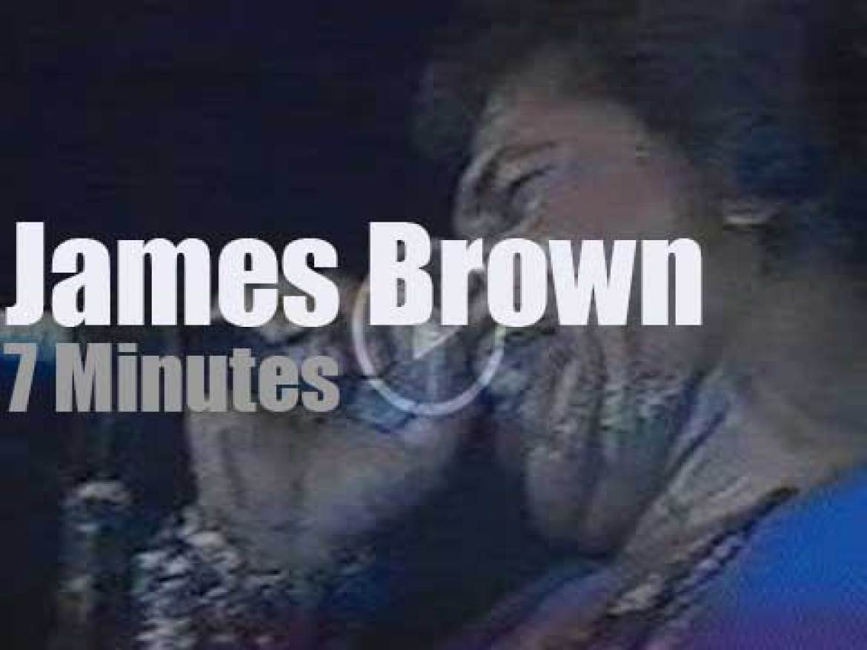 James Brown sings and dances at North Sea Jazz (1988)