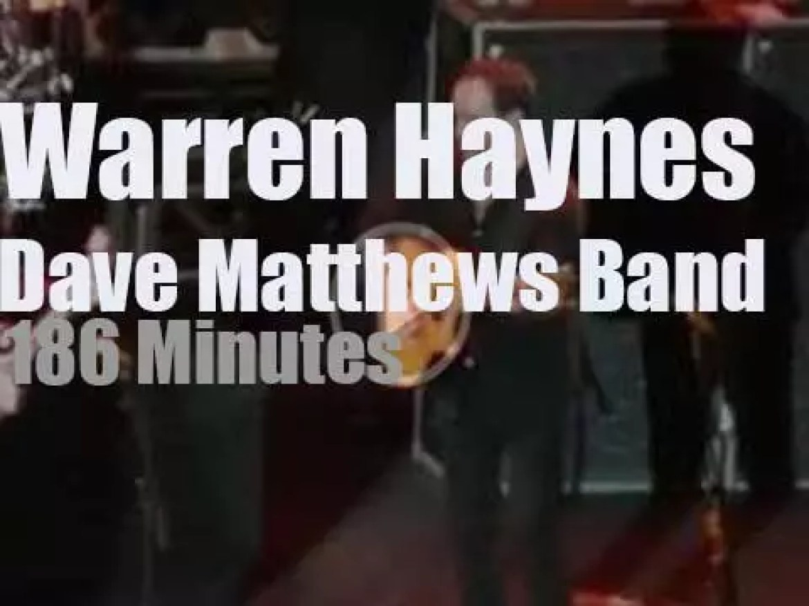 Warren Haynes teams up with Dave Matthews   to cover Neil Young (2011)