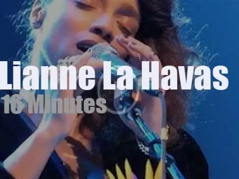 Lianne La Havas sings in New York City (2015)