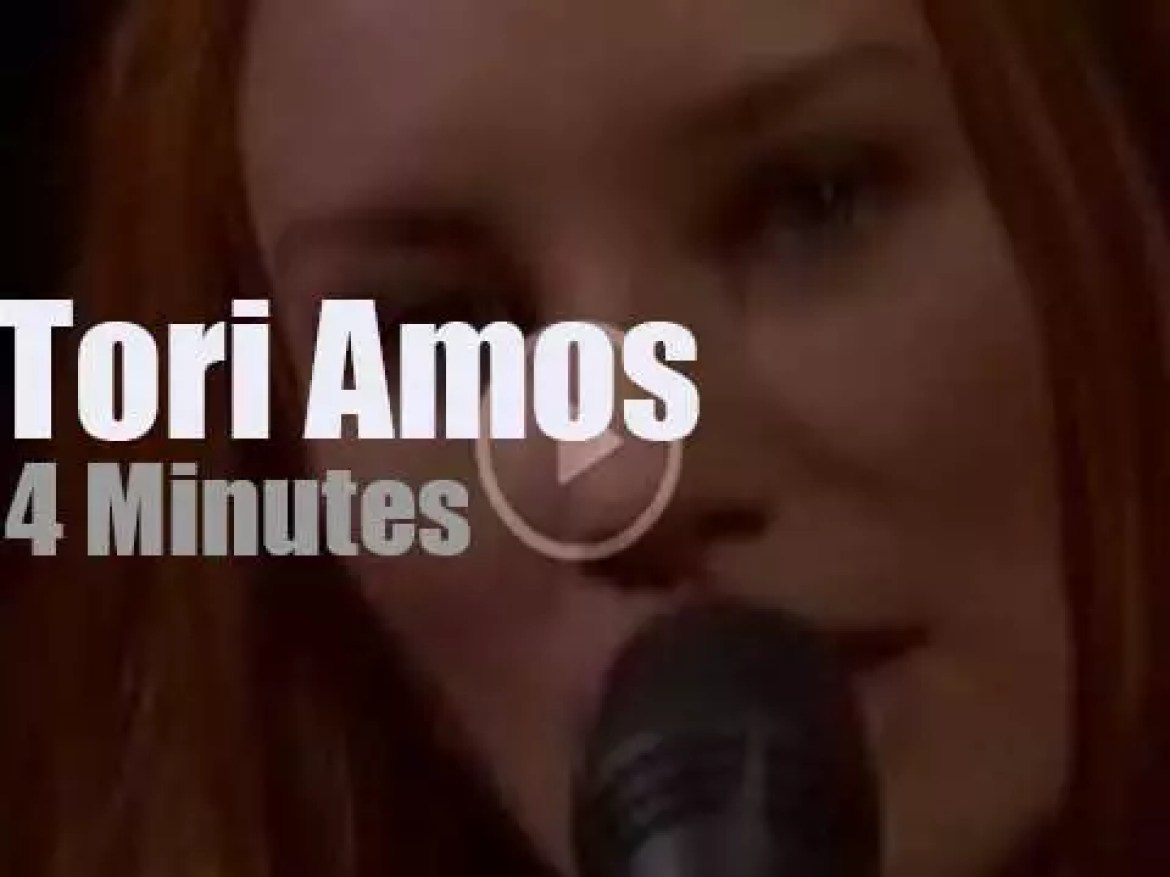 On TV today, Tori Amos with David Letterman (2001)