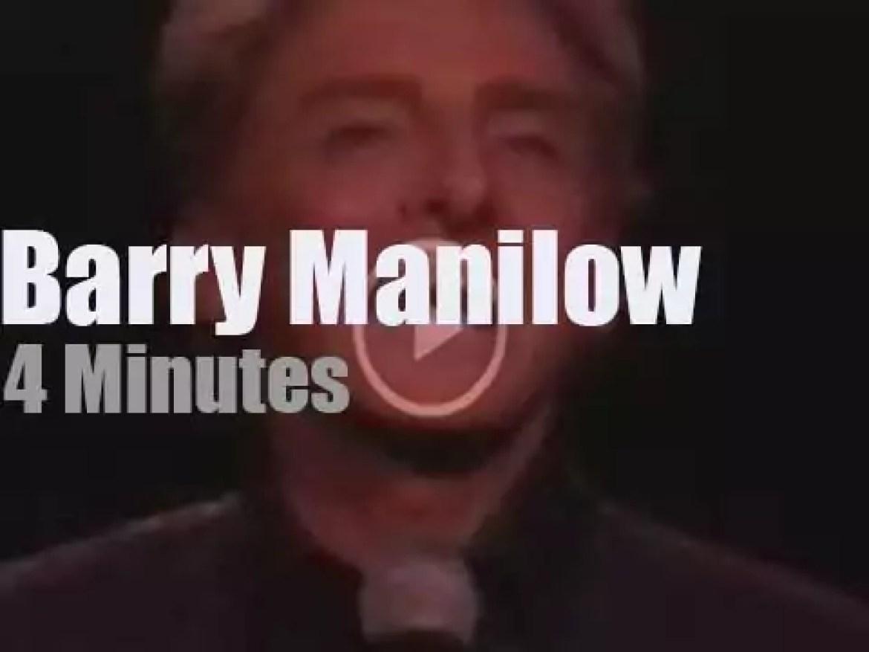 Barry Manilow sings in LA (1997)