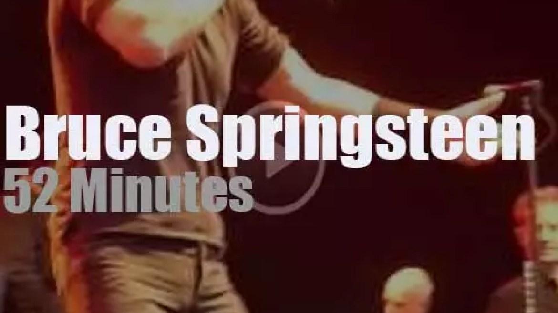Bruce Springsteen brings 'Hope' to Australian (2014)