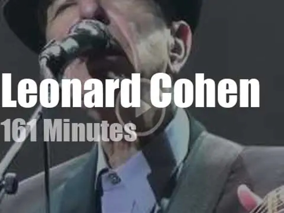 Leonard Cohen sings (one last time?) at the Paris Olympia (2012)