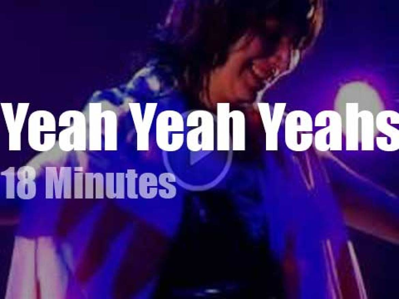 Yeah Yeah Yeahs play at Radio City (2009)