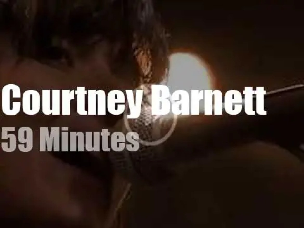 Courtney Barnett 'Sits and Thinks' in Berlin (2015)