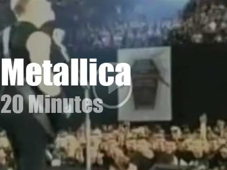 Metallica serenade Melbourne (2010)