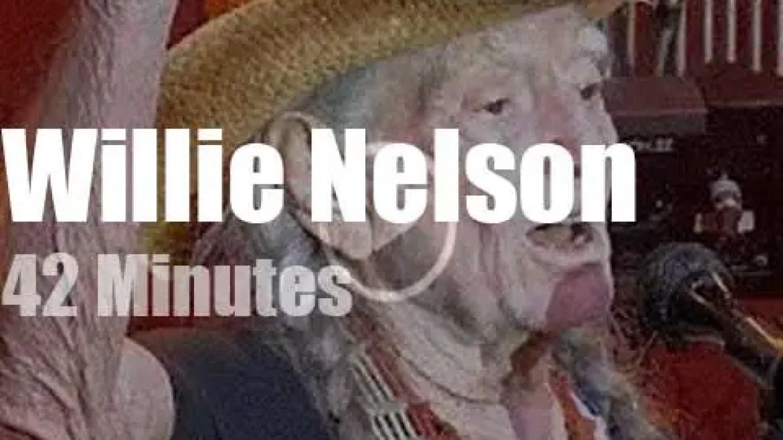Willie Nelson takes his family to San Francisco Fillmore  (2019)