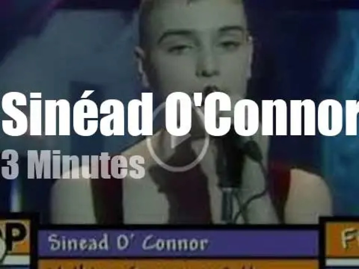 On English TV today, Sinéad O'Connor at 'TOTP' (1990)