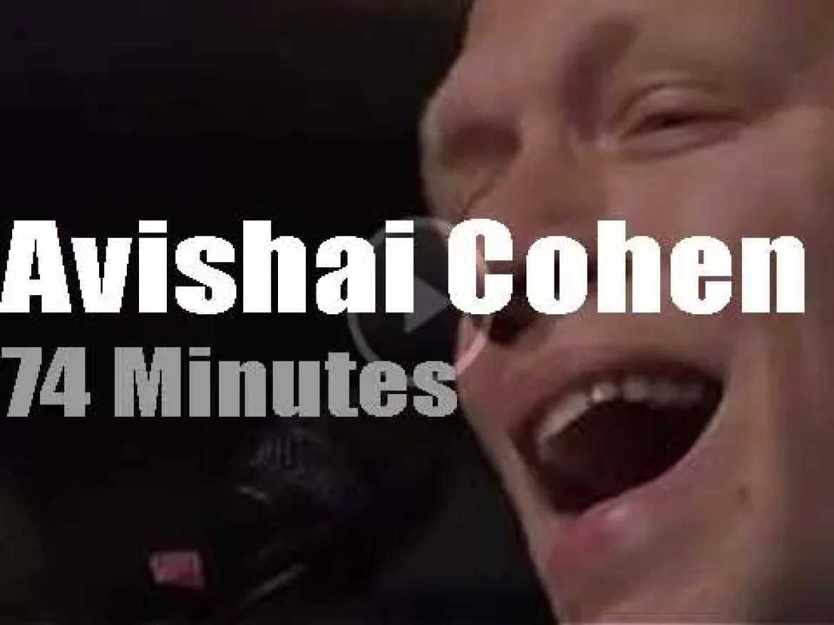 Paris spends an 'An Evening with Avishai Cohen' (2016)