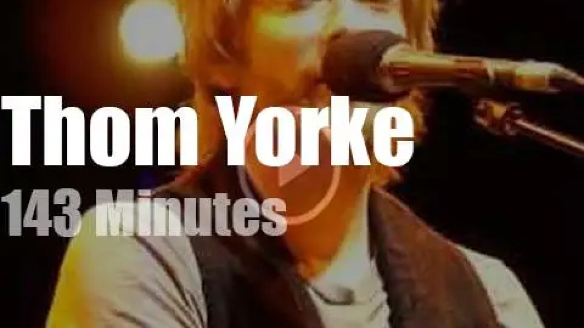 Thom Yorke plays solo and acoustic in Cambridge (2010)