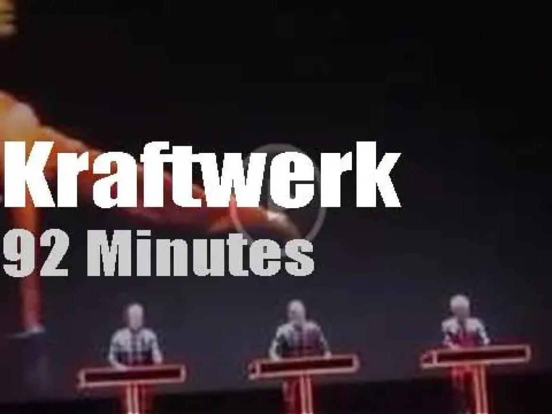 Kraftwerk robotize Oakland (2014)