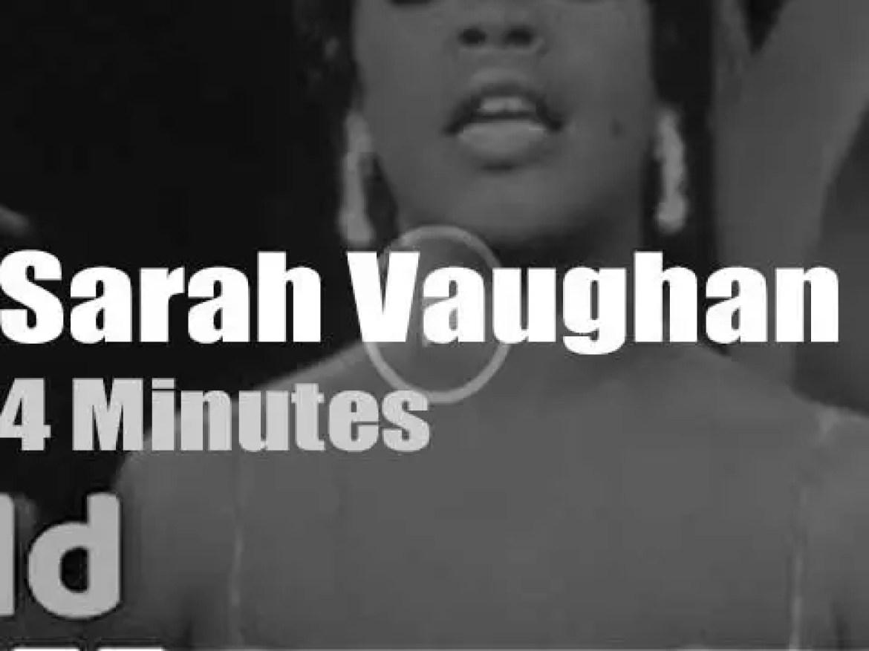 On Dutch TV today, Sarah Vaughan at 'Weekendshow'  (1958)